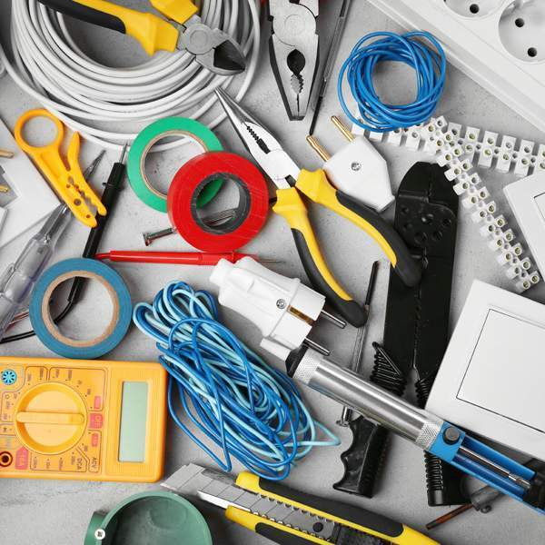Cables, accessories, extension cords, protective equipment