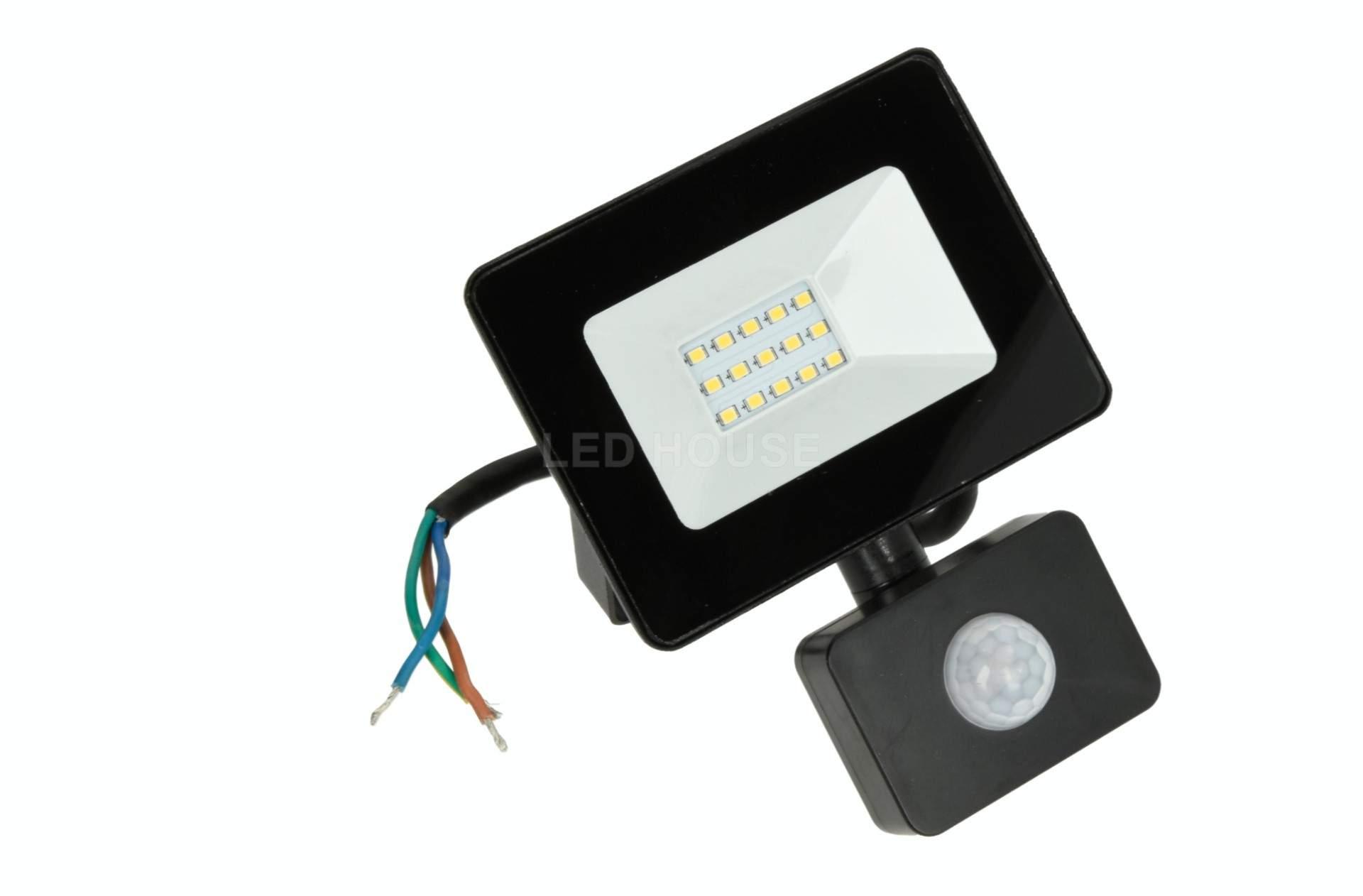 ЛЭД прожектор с датчиком движения ЛЭД прожектор с датчиком движения AIGOSTAR Slim черный  10W 900lm CRI70  120° IP65 4000K дневной белый